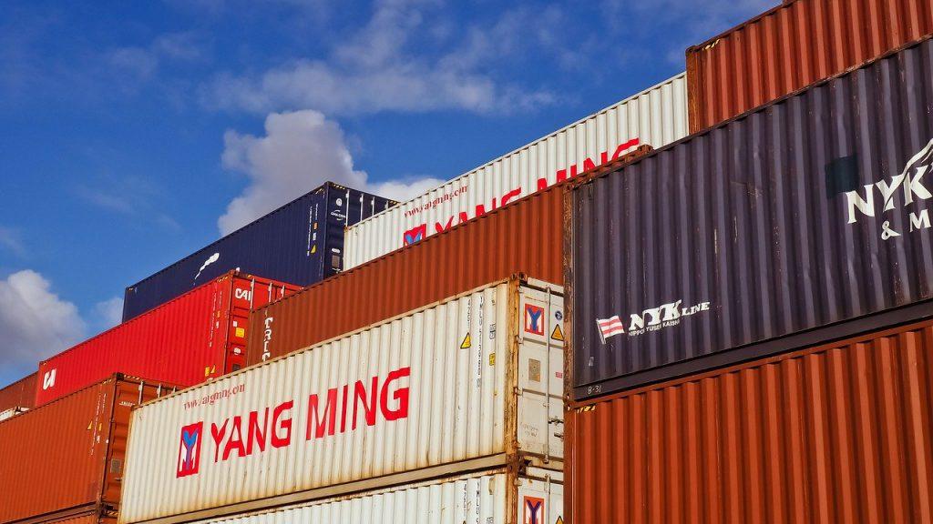 貿易事務の転職を成功させる!業務内容、志望動機と自己PRの書き方