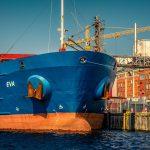 貿易事務の仕事内容、給料・年収などを解説